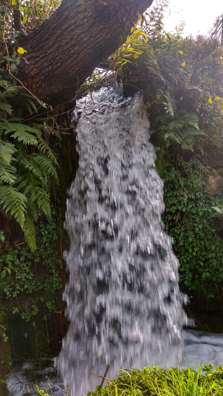 The little waterfall by the stream is accompanied by a water mill and is good for a quick refresher