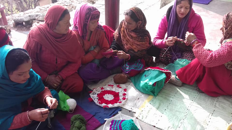 image Women from the wool group